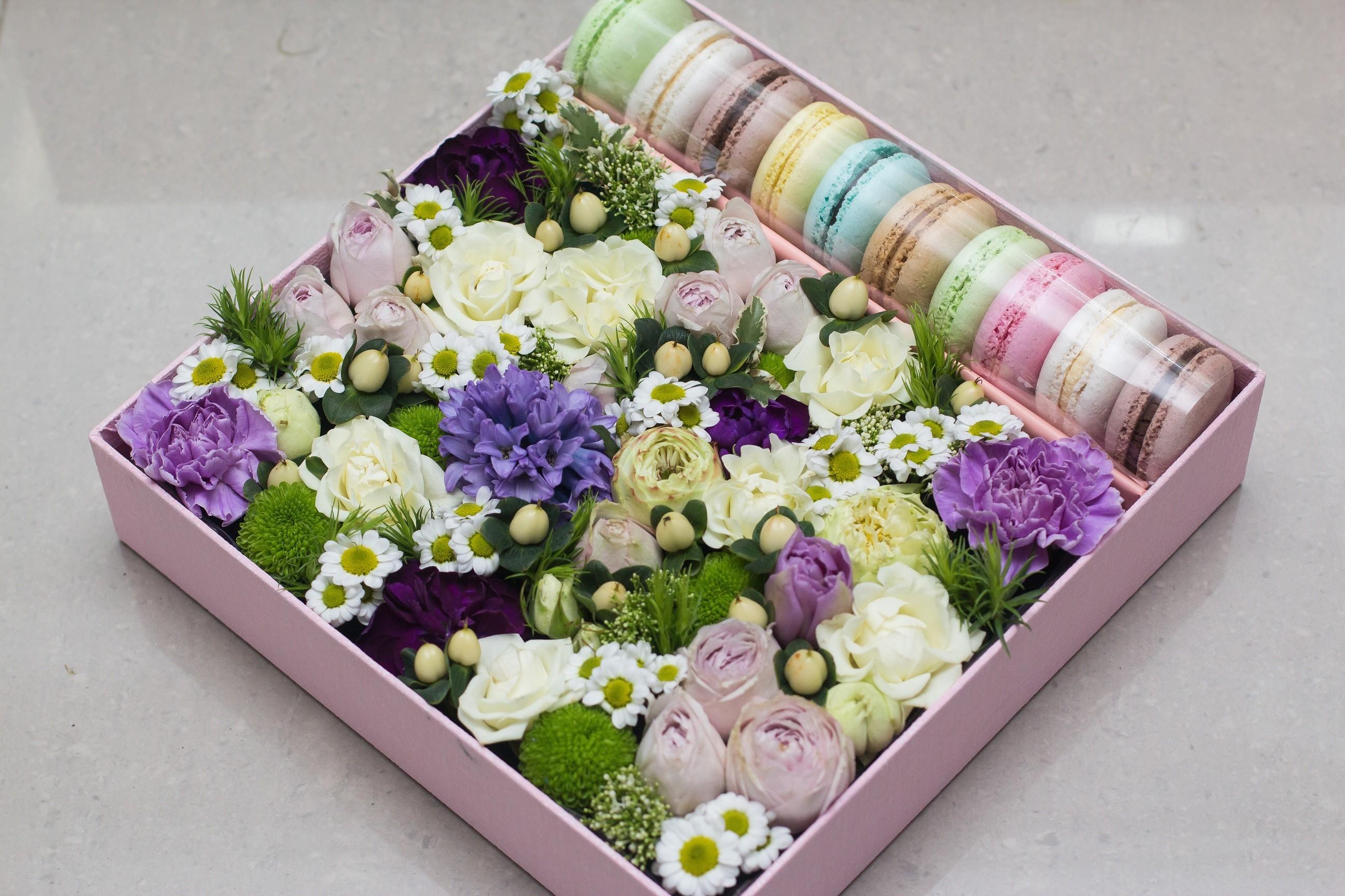 Маленькая коробка цветов фото