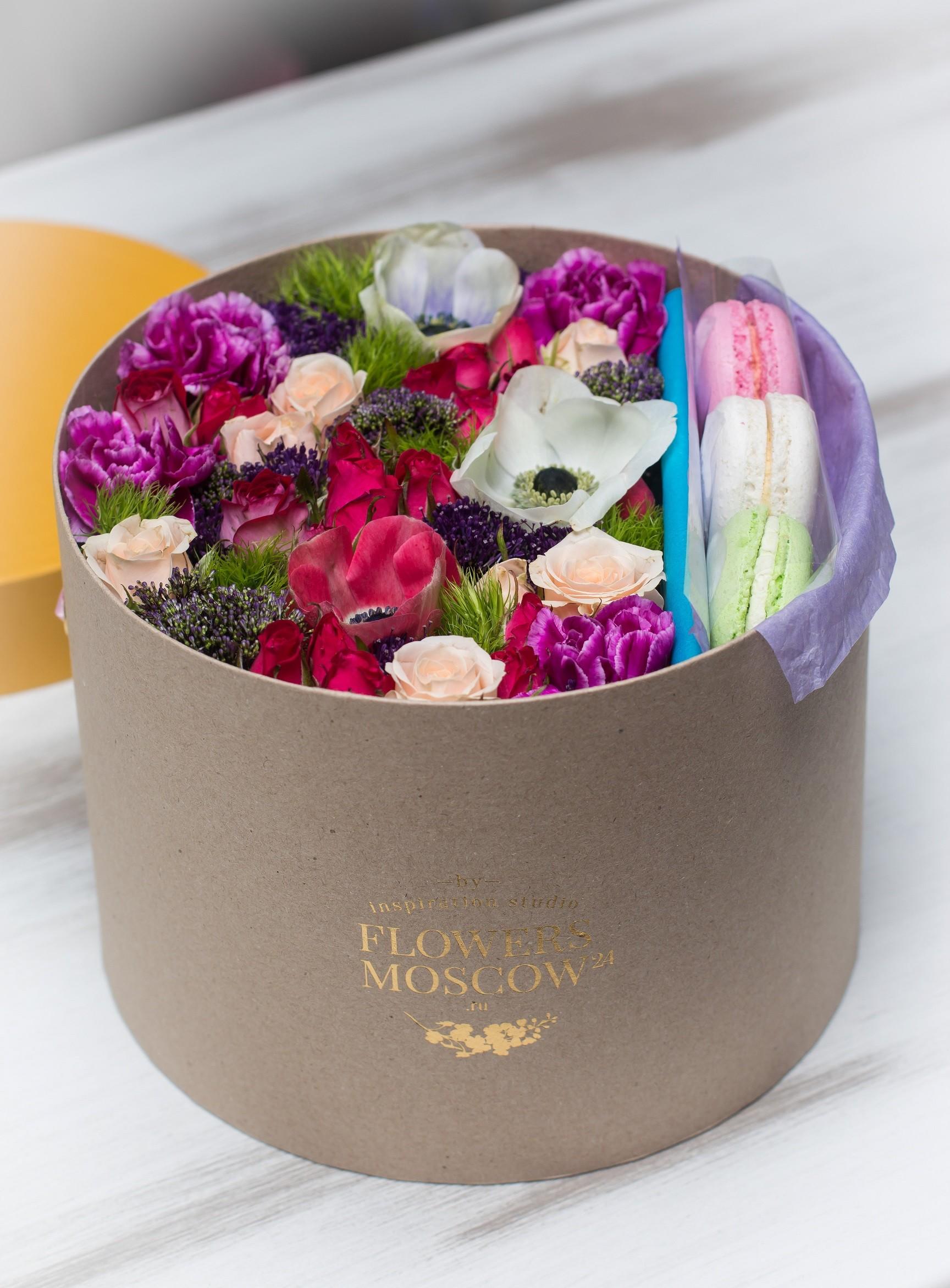 Купить шляпную коробку для цветов в москве